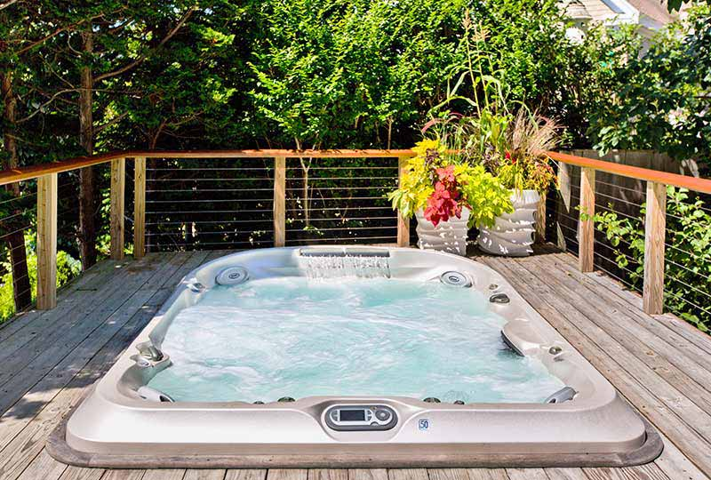 jacuzzi-hot-tub-deck-installation-maryland-pennsylvania