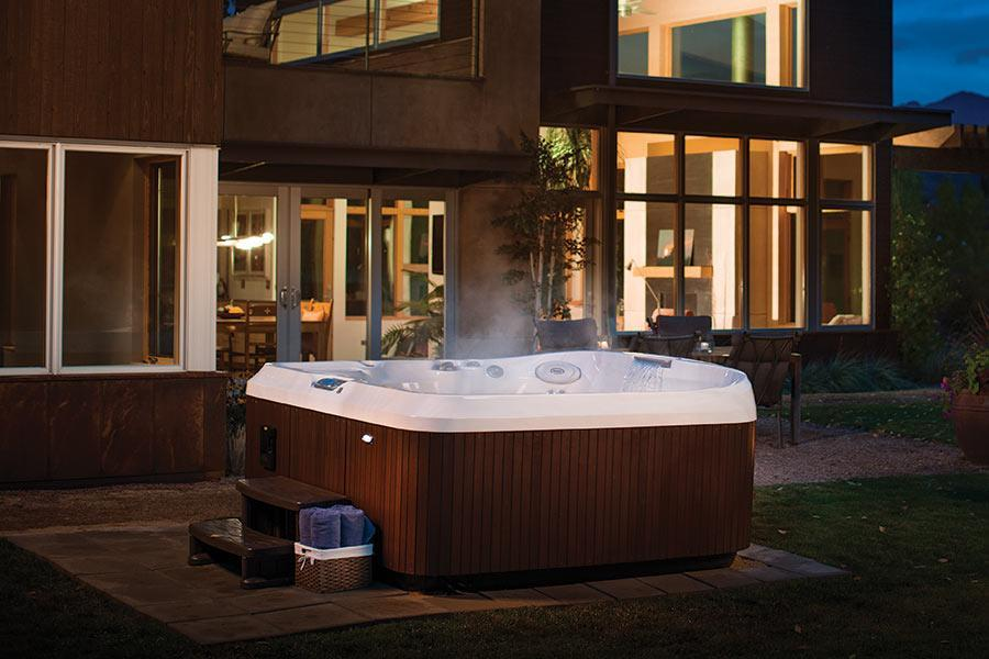 jacuzzi-hot-tub-evening-maryland-pennsylvania