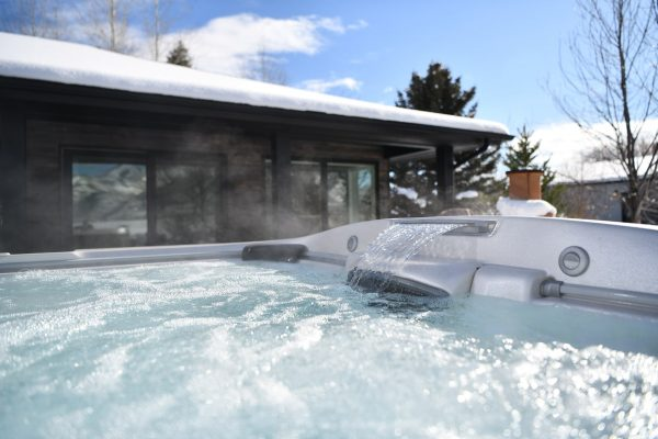 jacuzzi-hot-tub-install1